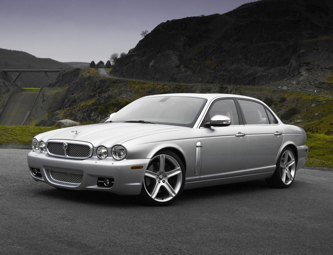 jags 7 jaguar cars 12430456 1280 980