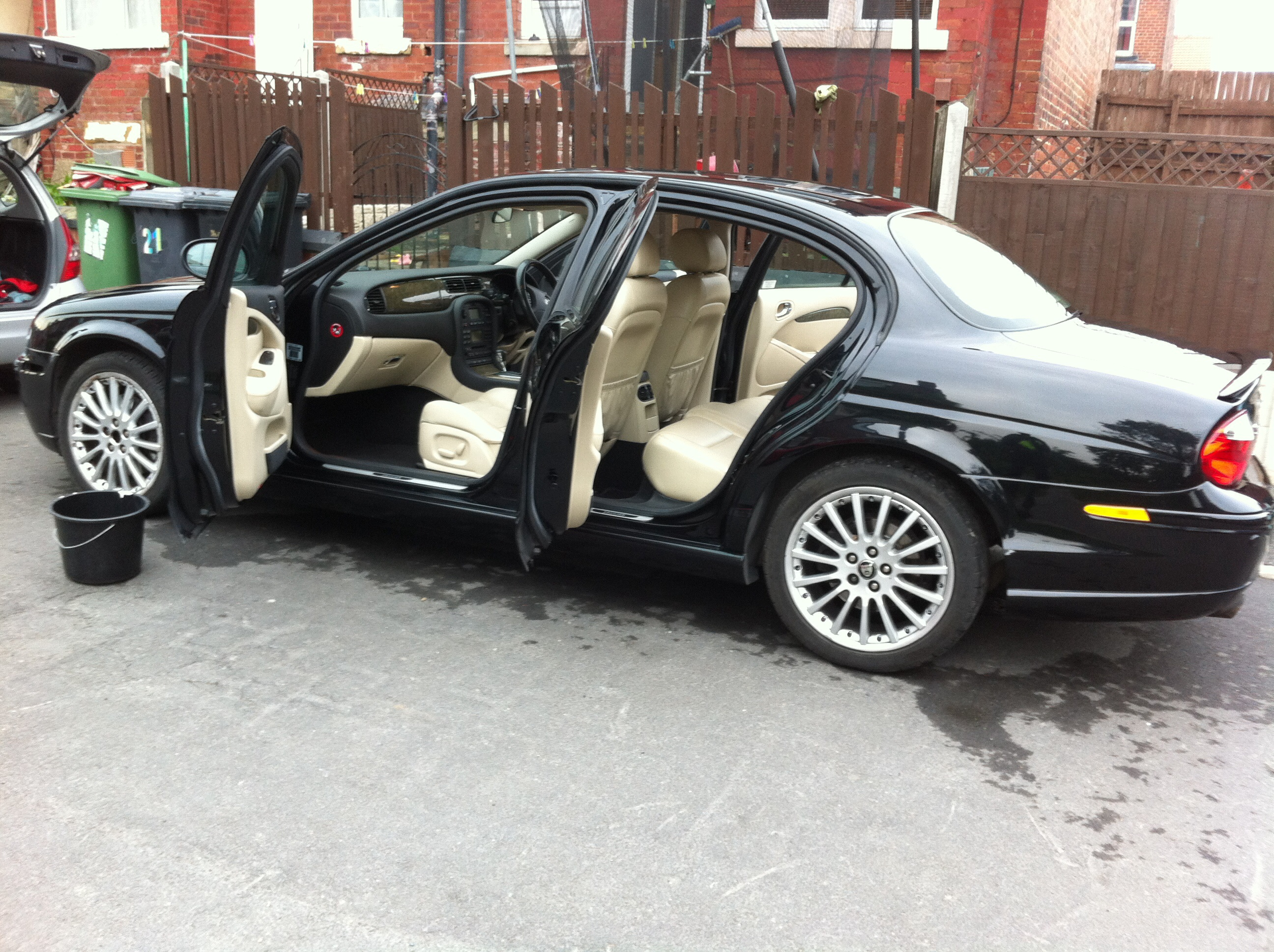 2005 jaguar x-type information.